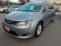 Certified 2017 Chrysler Pacifica Touring-L Van Brunswick ME