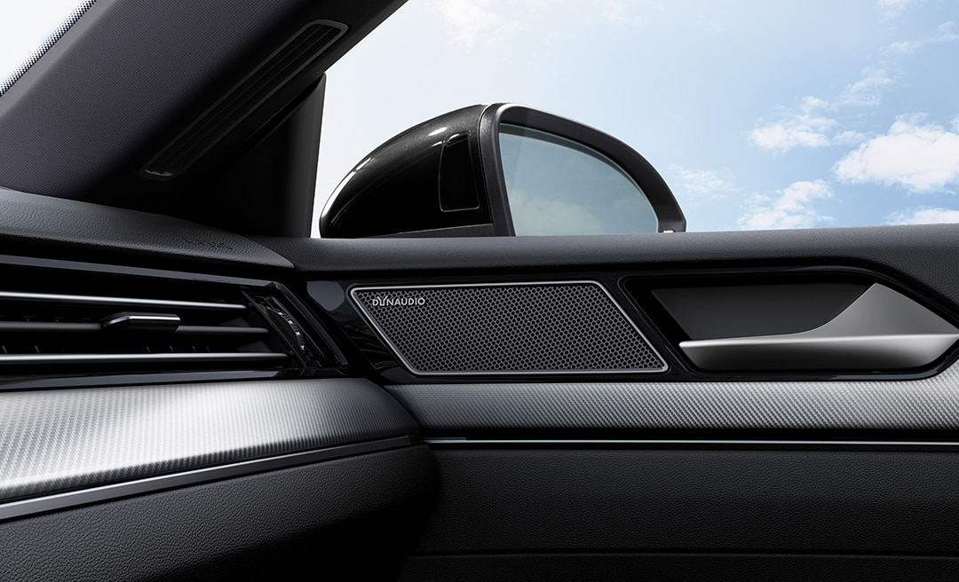 2020 Volkswagen Arteon with Dynaudio®