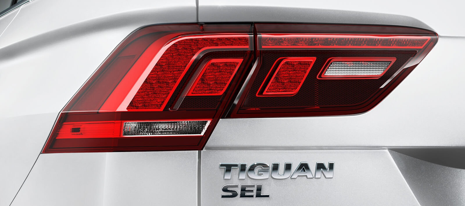2020 Volkswagen Tiguan fuel capacity vs the competition