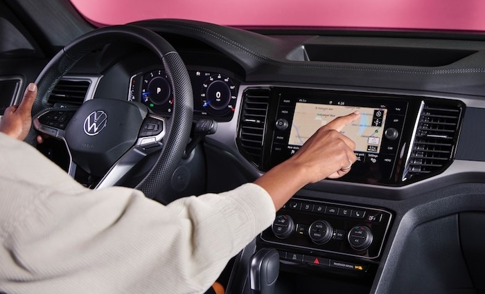 2020 Volkswagen Atlas Cross Sport Touchscreen navigation system
