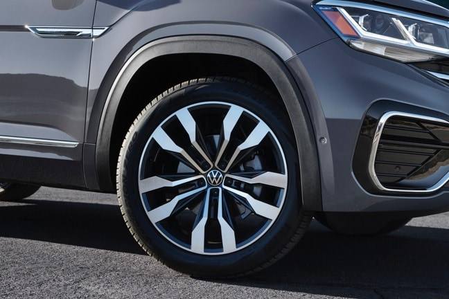 2020 Volkswagen Atlas Cross Sport available 21 inch wheels