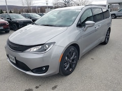 New 2019 Chrysler Pacifica TOURING L Passenger Van for Sale in Saint Albans, VT
