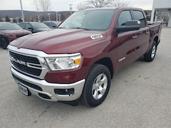 New 2019 Ram 1500 BIG HORN / LONE STAR CREW CAB 4X4 5'7 BOX Crew Cab for Sale in St. Albans