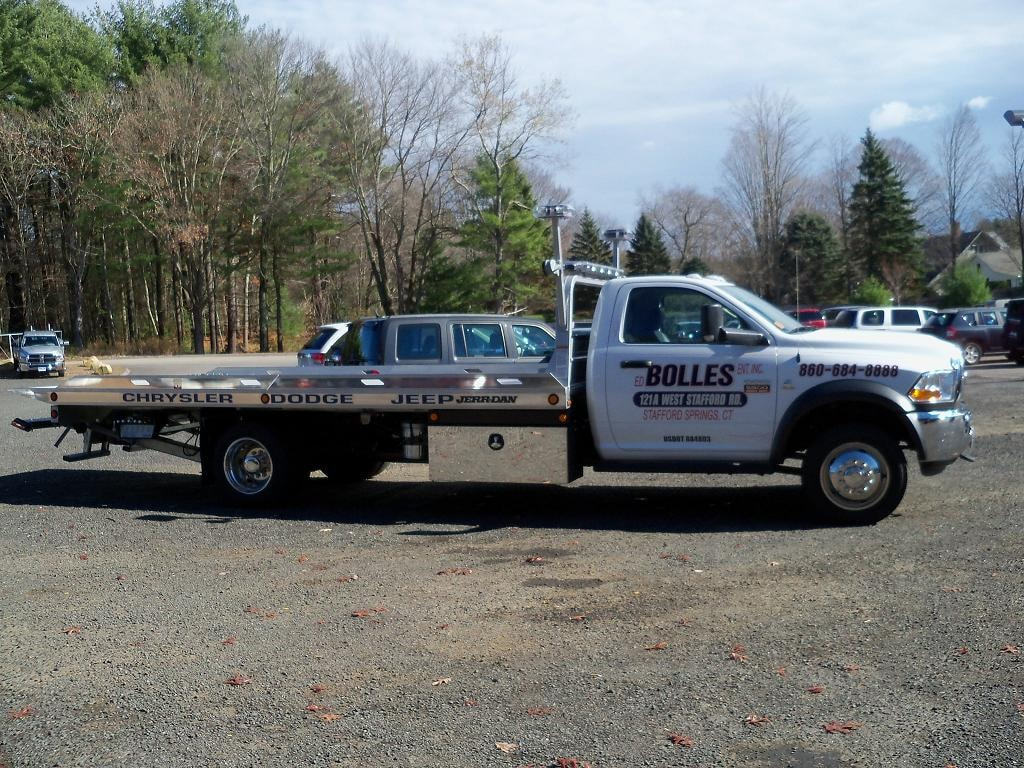 Towing services bolles chrysler dodge jeep in stafford ct for Bolles motors used cars