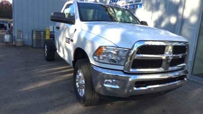 2018 Ram 4500 Chassis TRADESMAN CHASSIS REGULAR CAB 4X4 144.5 WB Cab and Chassis