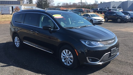 2020 Chrysler Pacifica Touring L Minivan/Van