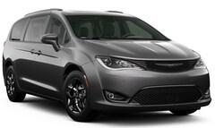 New 2020 Chrysler Pacifica TOURING L Passenger Van in Ellington, CT