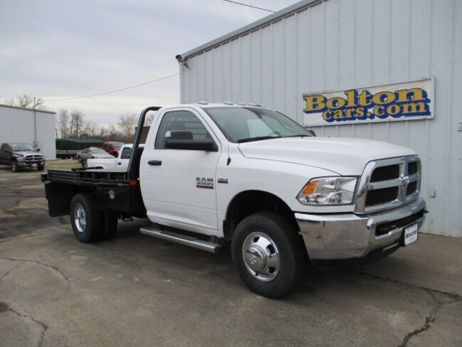 New 2018 Ram 3500 TRADESMAN CHASSIS REGULAR CAB 4X4 143.5 WB Regular Cab for sale or lease in Council Grove, KS