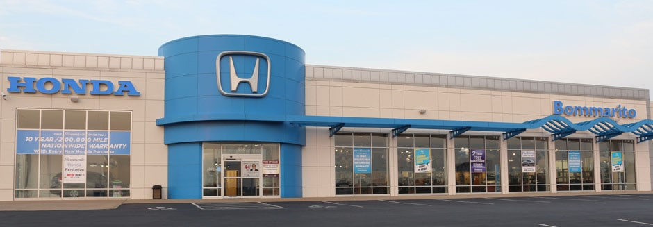 Photo of the front of the Bommarito Honda dealership in Hazelwood, MO