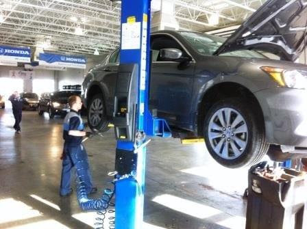 Bommarito Express Tire Installation2.jpg