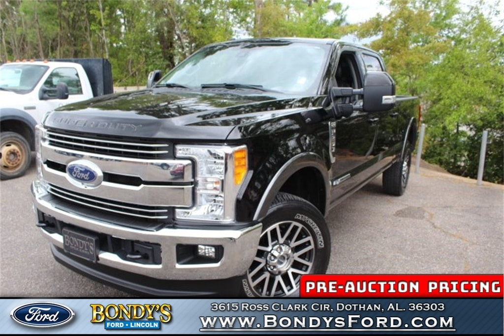 2017 Ford F-250 Crew Cab Truck