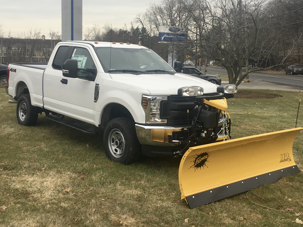 2019 FORD F-250 Supercab with 8' Fisher Plow