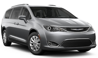 New 2019 Chrysler Pacifica TOURING L PLUS Passenger Van in Manchester, NH