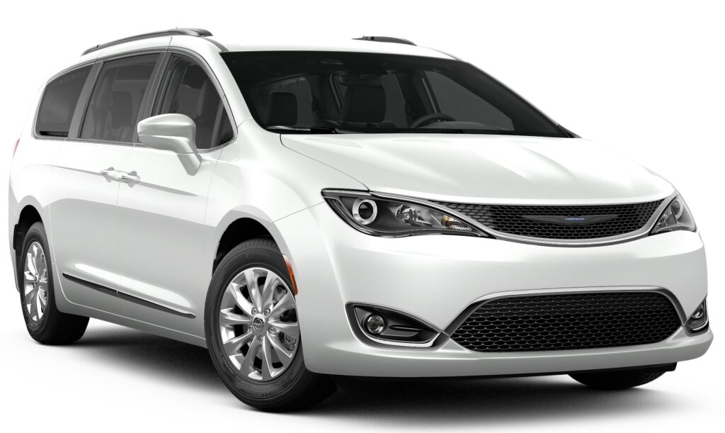 New 2019 Chrysler Pacifica TOURING L Passenger Van in Manchester, NH