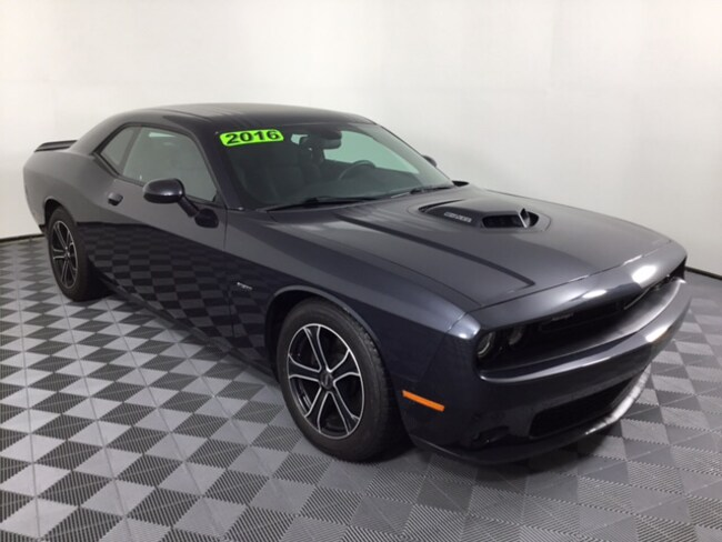 2016 Dodge Challenger R/T Shaker Coupe