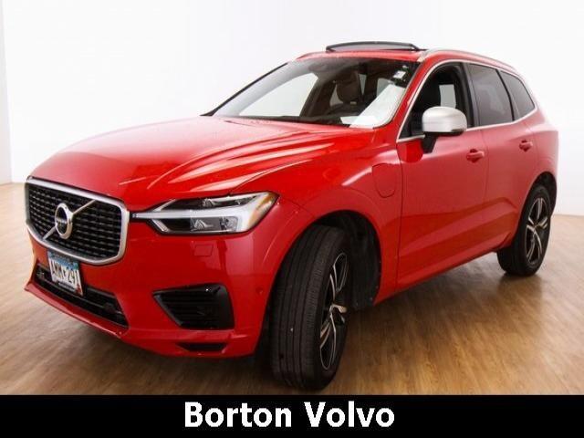 2018 Volvo XC60 Hybrid T8 R-Design SUV