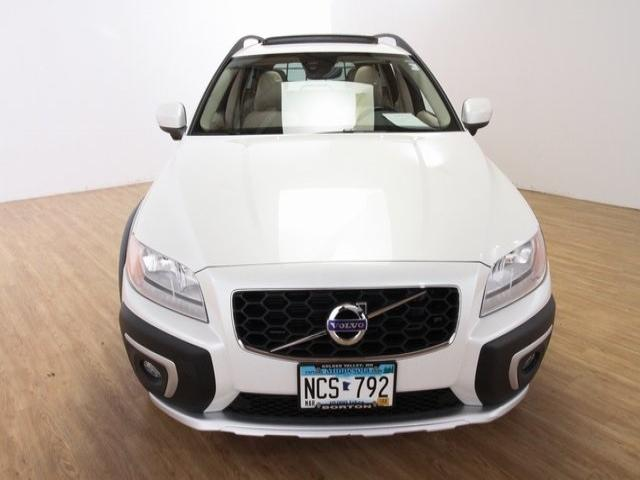 Used 2015 Volvo XC70 T6 with VIN YV4902NK4F1228385 for sale in Golden Valley, Minnesota