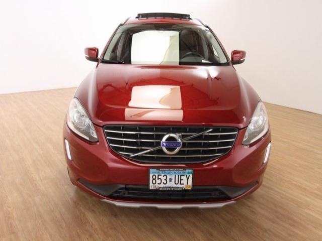 Used 2016 Volvo XC60 T6 with VIN YV449MRK3G2905833 for sale in Golden Valley, Minnesota