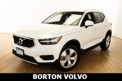 New 2020 Volvo XC40 T4 Momentum SUV for sale in Golden Valley MN