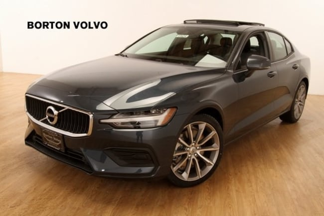 New 2019 Volvo S60 T6 Momentum Sedan For sale/Lease Near Minneapolis