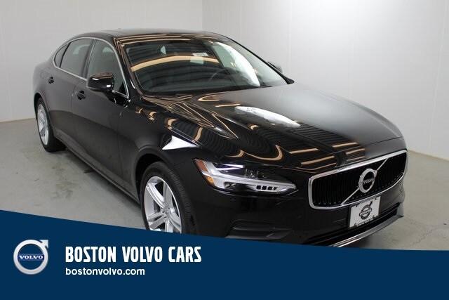 2018 Volvo S90 T5 Momentum Sedan