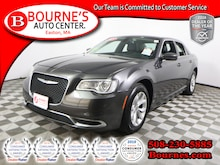 2015 Chrysler 300 Limited w/ Heated Leather Seats. Sedan
