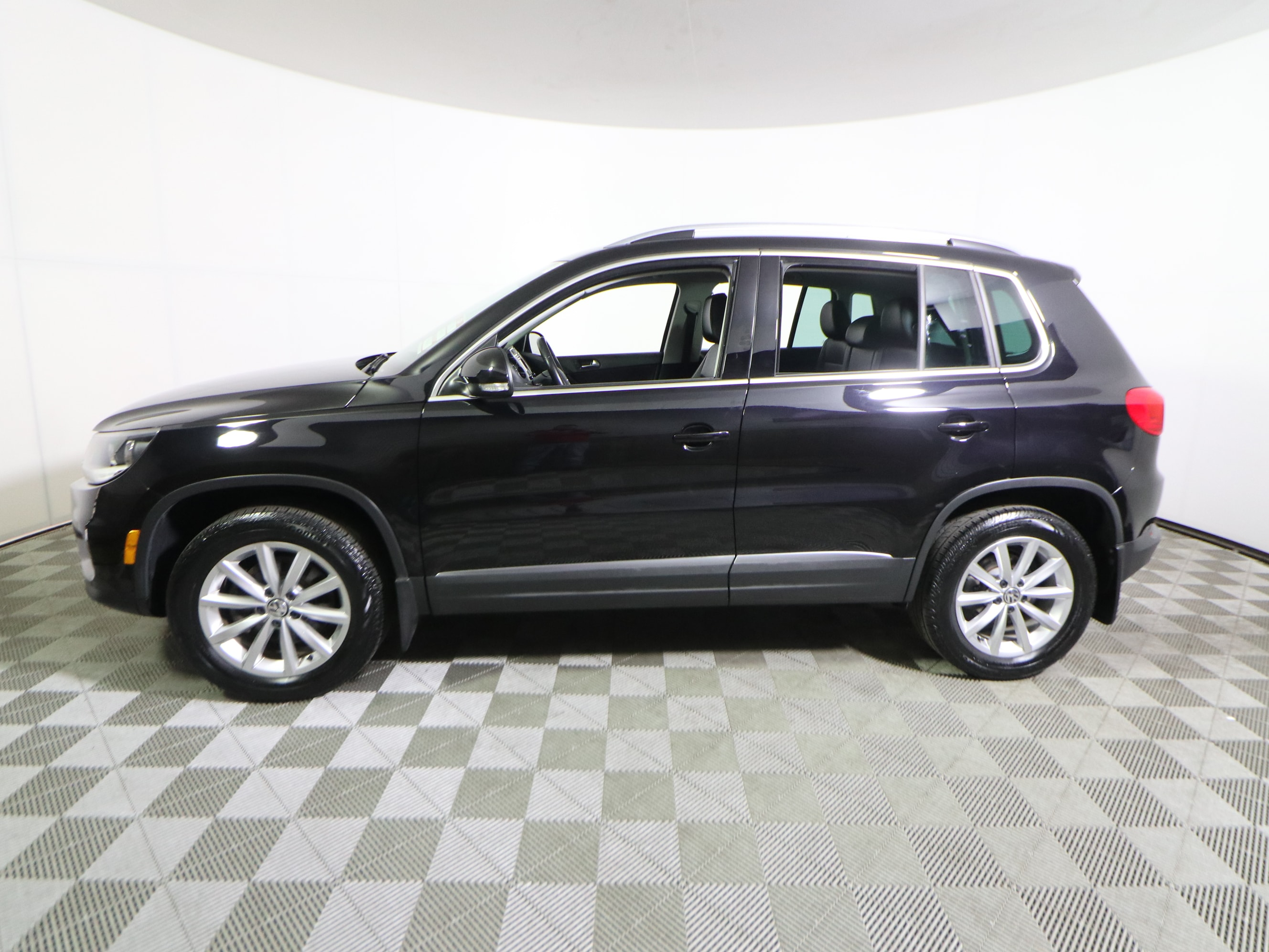 Used 2017 Volkswagen Tiguan For Sale at Bourne's Auto Center