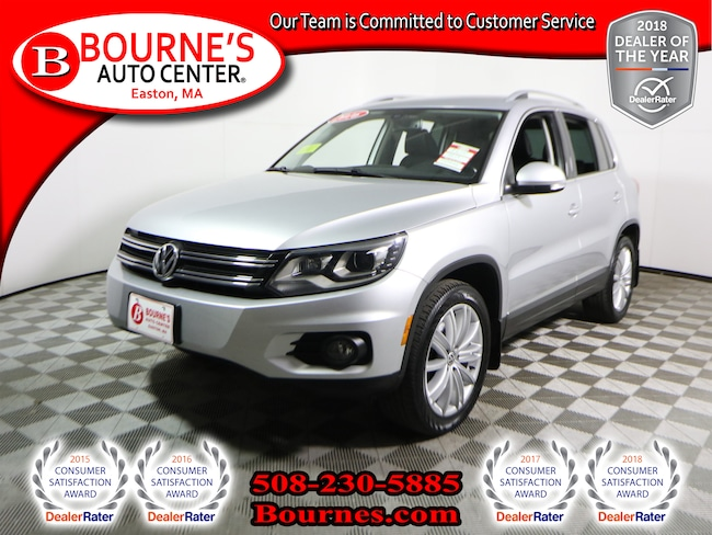 2016 Volkswagen Tiguan AWD SE w/Navigation,Leather,Panoramic Roof,Heated Front Seats, And Backup Camera. SUV