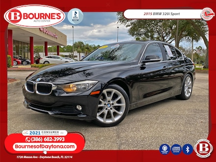 2015 BMW 320i Sport w/Leather, Sunroof, Bluetooth  Sedan