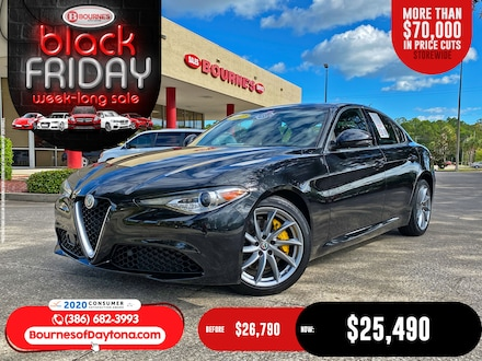 2017 Alfa Romeo Giulia Ti w/Navigation,Leather,Sunroof,Bluetooth,Backup Camera Sedan
