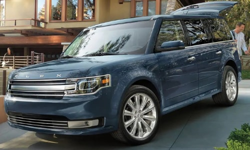2020 Ford Flex parked driveway family scene loading luggage