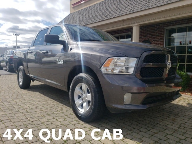 Used 2017 Ram 1500 Express Crew Cab 4X4 Truck for sale in Bowling Green, OH
