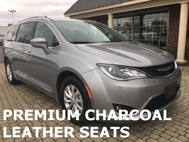Used 2019 Chrysler Pacifica Touring L w Leather & Heated Steering Wheel Minivan/Van for sale in Bowling Green, OH