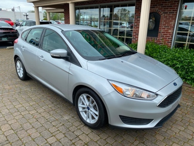 Used 2017 Ford Focus SE Hatchback for sale in Bowling Green, OH