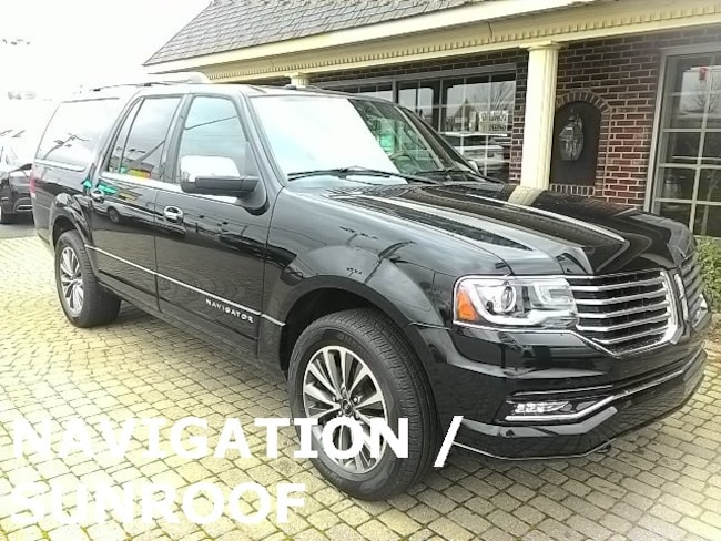 Used 2017 Lincoln Navigator L 4X4 w Navigation & Sunroof SUV for sale in Bowling Green, OH