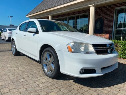 2011 Dodge Avenger Lux Sedan