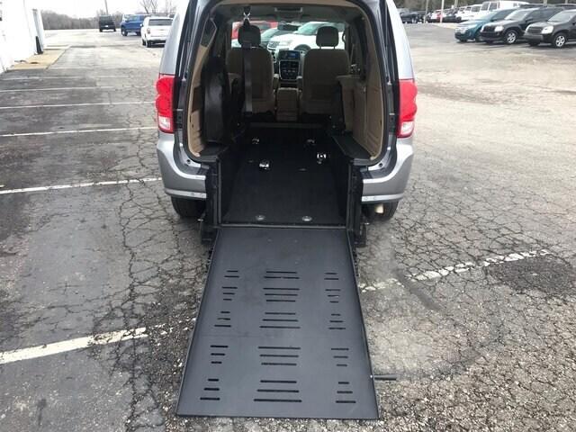 2016 Dodge Grand Caravan SXT Mini-Van
