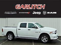 New 2018 Ram 1500 EXPRESS CREW CAB 4X4 5'7 BOX Crew Cab  for sale in North Vernon IN