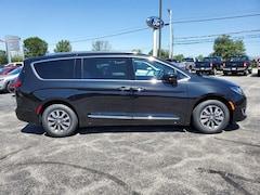 new 2020 Chrysler Pacifica 35TH ANNIVERSARY TOURING L PLUS Passenger Van North Vernon, IN
