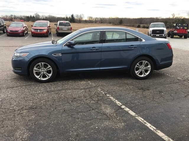 2018 Ford Taurus SEL All-Wheel Drive Sedan