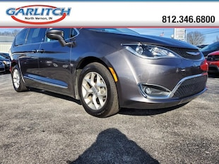 2018 Chrysler Pacifica Touring L Plus Mini-Van