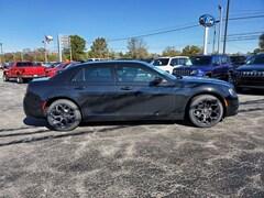 new 2019 Chrysler 300 TOURING Sedan North Vernon, IN