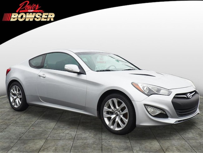 2016 Hyundai Genesis Coupe 3.8 Base w/Black Seats Coupe
