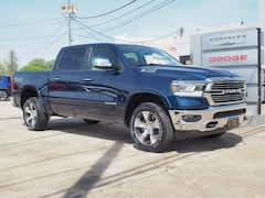 New 2019 Ram 1500 LARAMIE CREW CAB 4X4 5'7 BOX Crew Cab 1C6SRFJTXKN786543 R19128 for sale in Emporia