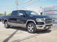 New 2019 Ram 1500 LARAMIE CREW CAB 4X4 5'7 BOX Crew Cab 1C6SRFJT8KN807471 R19116 for sale in Emporia