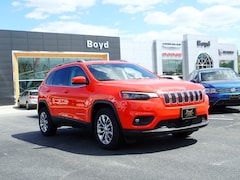 New 2021 Jeep Cherokee LATITUDE PLUS FWD Sport Utility 1C4PJLLB9MD211397 J21102 in Emporia
