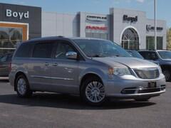 2013 Chrysler Town & Country Limited Van LWB Passenger Van