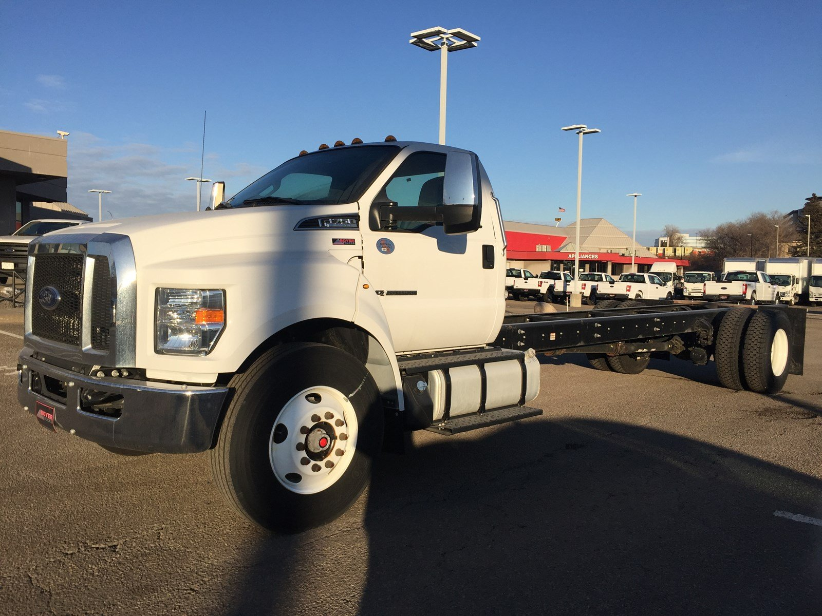 2017 Ford F-750 XLT Trim, Driveshaft Upgrade CHASSIS/Cab