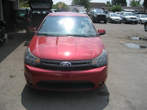 2010 Ford Focus SES ECONOMICAL LEATHER