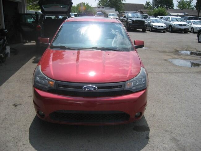 2010 Ford Focus SES ECONOMICAL LEATHER Sedan